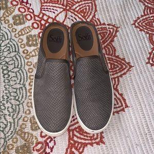 Super comfortable slip on snake skin shoes